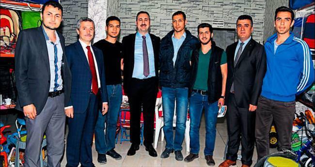 AK Parti Adayı Gül esnafın nabzını tuttu