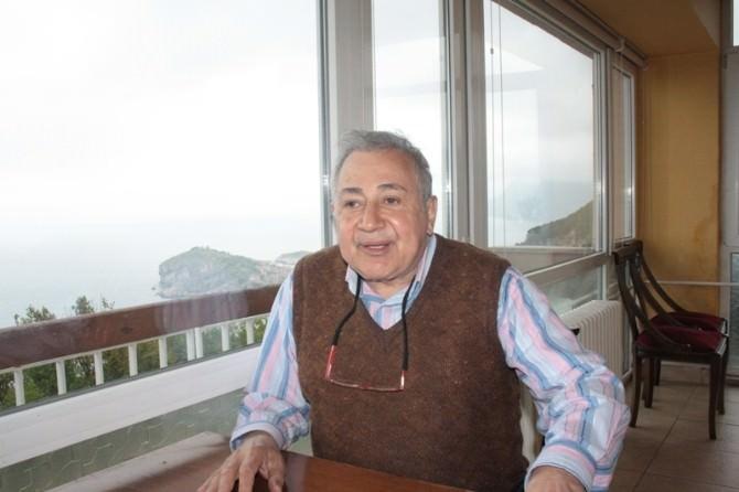 """Prof. Dr. Orhan Kural: """"Cem Yılmaz'ın Vicdanı Ne Kadar Rahat?"""""""