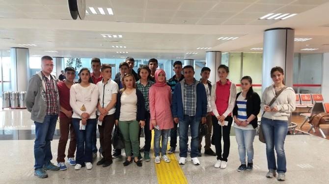 Sarıkamışlı Öğrenciler Eğitim İçin Antalya'ya Gitti