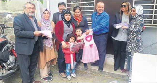 AK Parti Konak'tan 500 aileye anlamlı destek