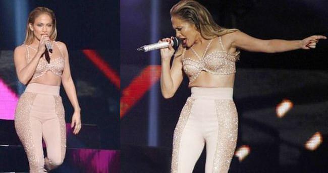 Jennifer Lopez'in fazla kiloları kıyafetten taştı