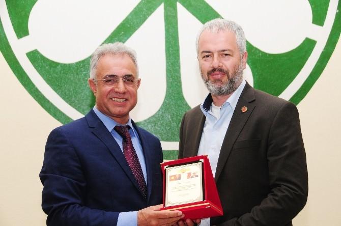 Prof. Dr. Çaha AK Parti'deki Küskünlükleri Sonlandırdı