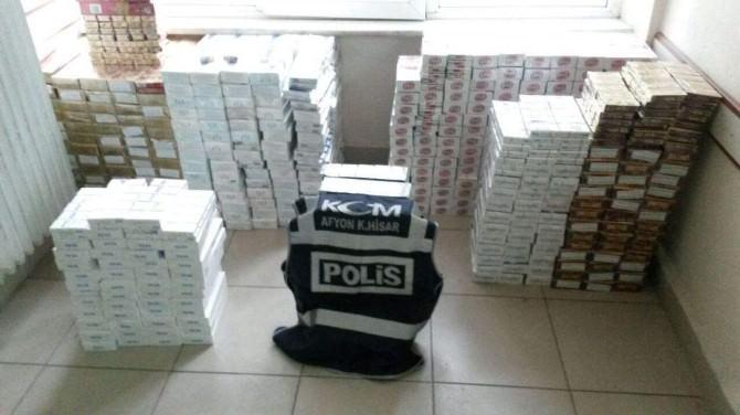 Polis Durdurduğu Otomobilde 6 Bin 180 Paket Kaçağı Sigara Ele Geçirdi