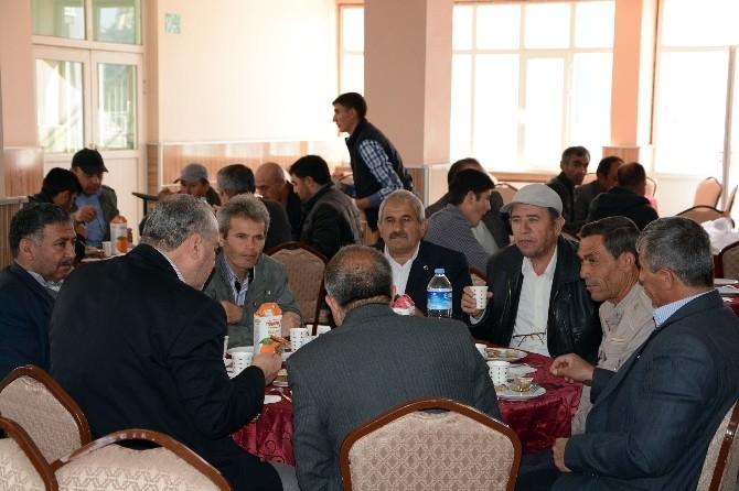 AK Parti Afyonkarahisar Milletvekili Adayları Muhtarları Dinledi