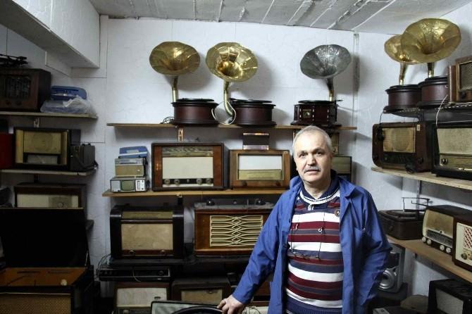(Özel Haber) Asırlık Radyolar Hayat Buluyor