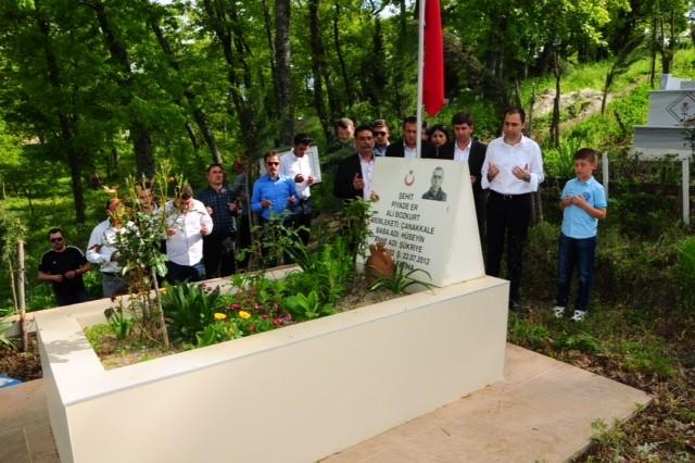 MHP Milletvekili Adayı Tuna, Şehit Askerin Mezarını Ziyaret Etti