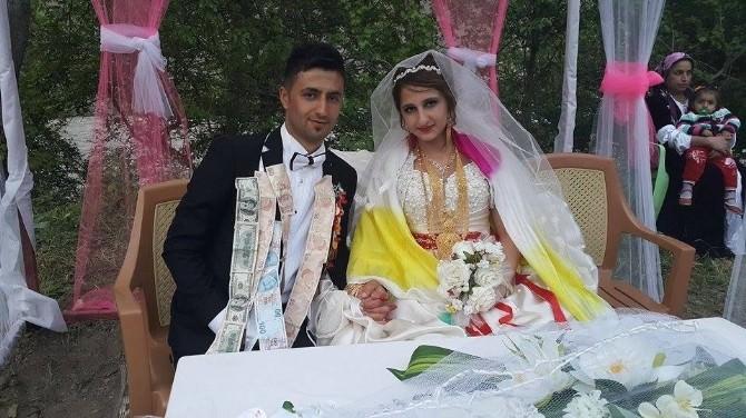 Hakkari'de 3 Gün 3 Gece Süren Görkemli Düğün