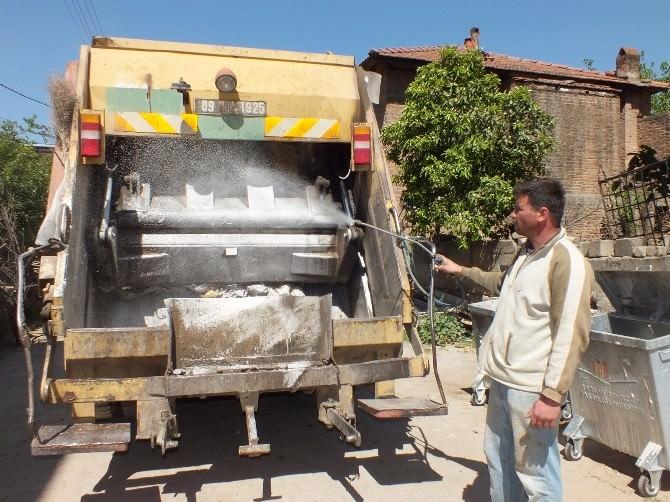 Köşk Belediyesi Çöp Konteynırları İlaçlıyor