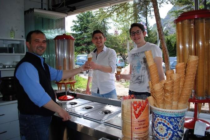 Kütahya'dan Amasya'ya 20 Yıllık Dondurma Yolculuğu