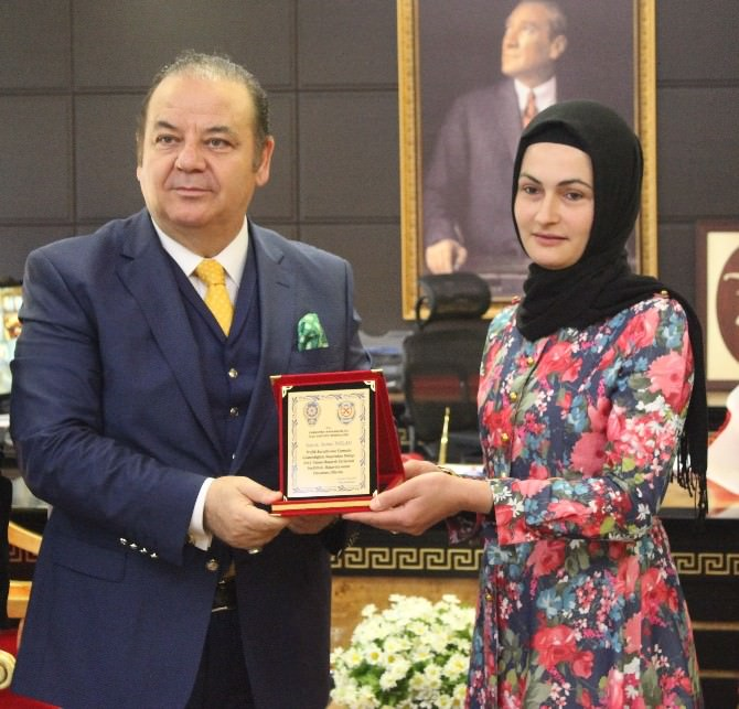 Çarşamba'da Yılın Sürücüsü Sema'ya Ödül