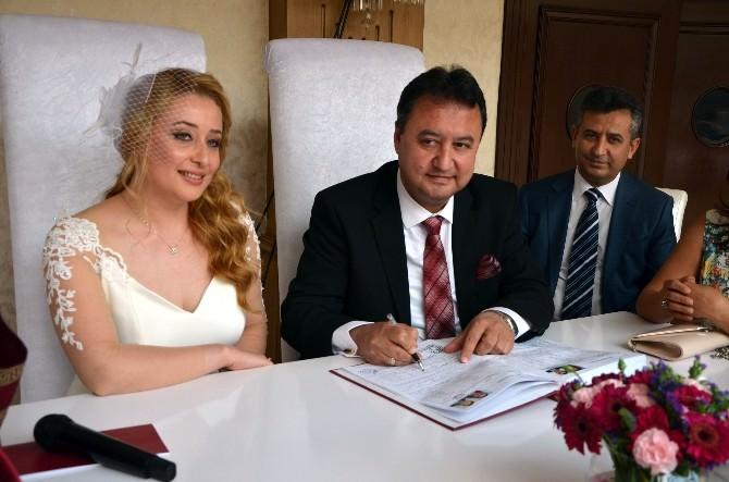 Aile Mahkemesi Hakimi Ailesini Kurdu