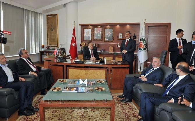 Akdoğan'dan Büyükşehir Belediyesi'ne Ziyaret