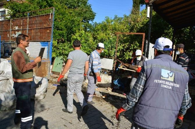 Fethiye'de Çöp Eve Belediye El Attı