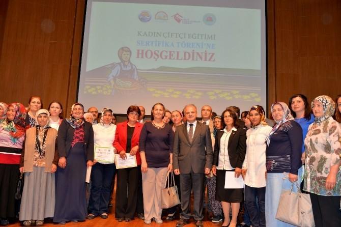 Mersin'deki Kadın Çiftçiler Artık Sertifikalı