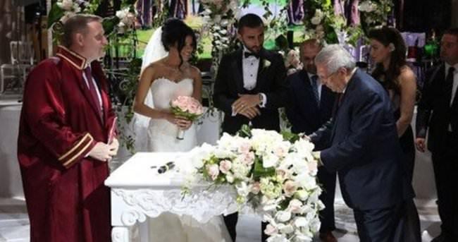 Fenerbahçeli futbolcu Selçuk Şahin evlendi