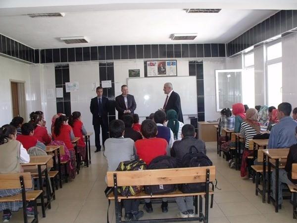 İzci Ortaokulu'nda Erdemli Ve Başarılı Birey Projesi