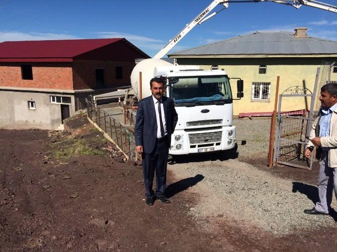 Kulp Belediyesi Camilerin Çevre Düzenlemesi Çalışmalarına Başladı