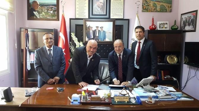 Karaisalı Belediyesi İle Ziraat Bankası Arasında İşbirliği Protokolü