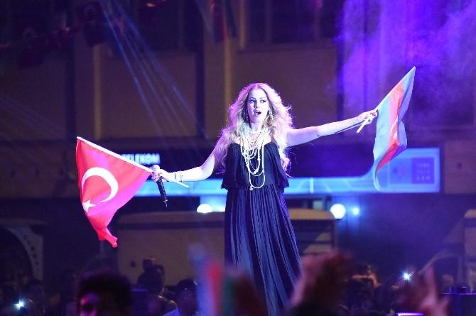 Türk Ve Azeri Sanatçılar Tarsusluları Coşturdu