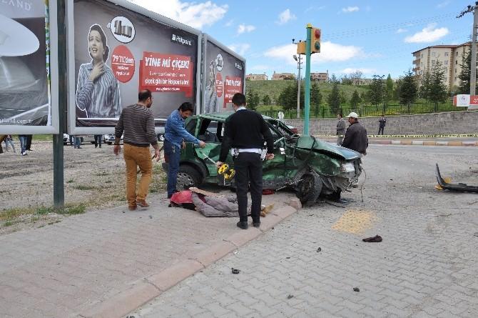 Ürgüp'te Trafik Kazası: 2 Ölü, 3 Yaralı