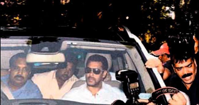 Bollywood yıldızına beş yıl hapis cezası
