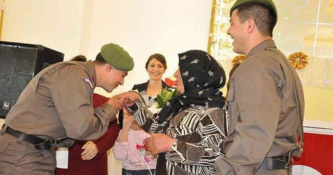 Asker anneleri bu kez sevinçten ağladı