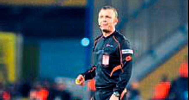 Lider Beşiktaş'a FIFA kokartlı Tolga Özkalfa