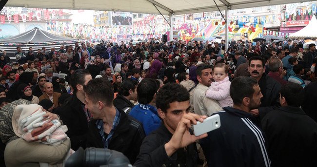 Ümraniye meydanı Suriyeli muhacirlerin Kültür Şenliği'ne ev sahipliği yaptı
