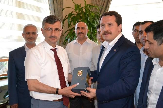 Memur-sen Genel Başkanı Yalçın'dan Manisa Valisi Bektaş'a Ziyaret
