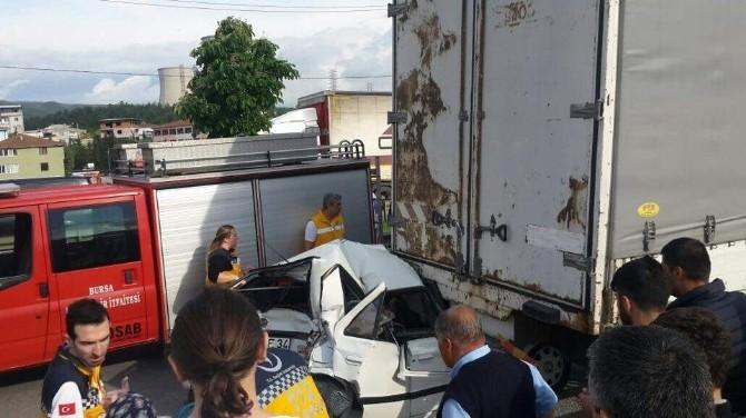 Bursa'da Kamyon Dehşeti: 4 Yaralı