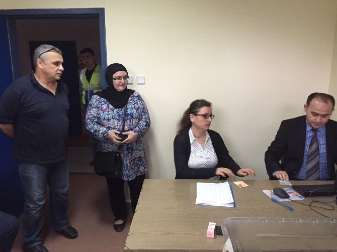 Zonguldak Havalimanı'nda Oy Kullanma İşlemi Başladı
