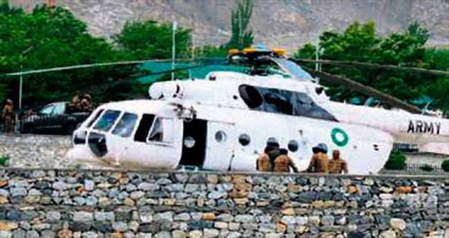 Büyükelçileri taşıyan helikopter düş