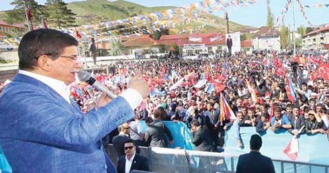 Başbakan Davutoğlu'ndan 2 milyon eve mektup