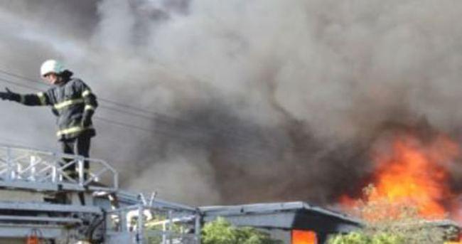AVM'de yangın çıktı
