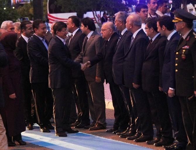 Başbakan Davutoğlu Mersin Valiliği'ni Ziyaret Etti