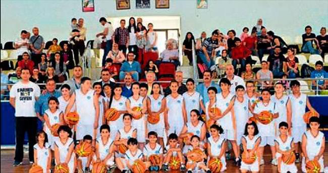 Mersin'de Basketbol Akademisi açıldı