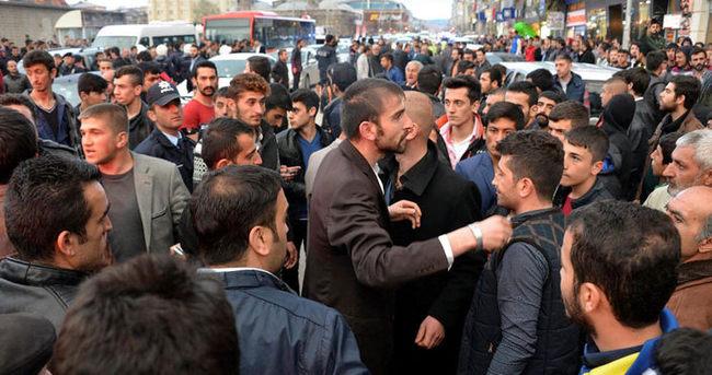 Erzurum'da seçim otobüsü gerginliği