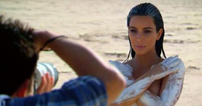 Kim Kardashian yine çıplak
