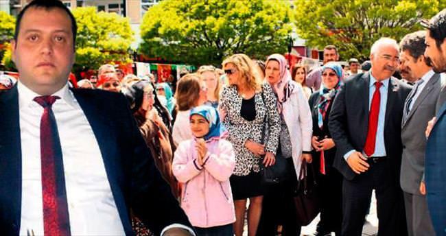 MHP Seçim Bürosu'na 'dayaklı' açılış töreni