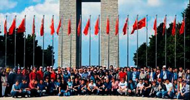 Elmalı'dan 400 kişi Çanakkale'yi gezdi