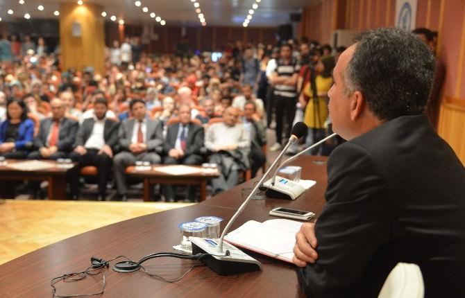 BÜ'de Başkanlık Sistemi Konuşuldu