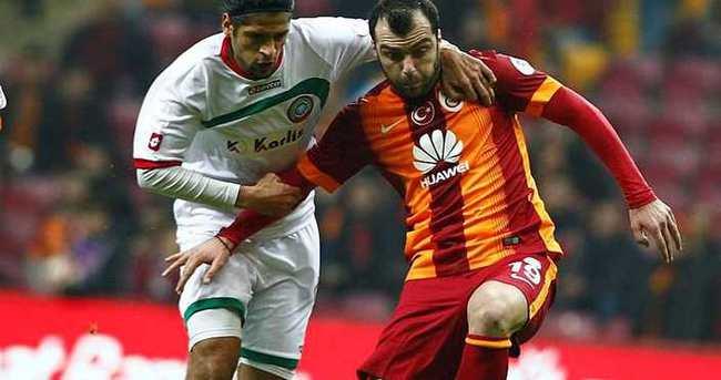 Goran Pandev Genoa ile anlaştı