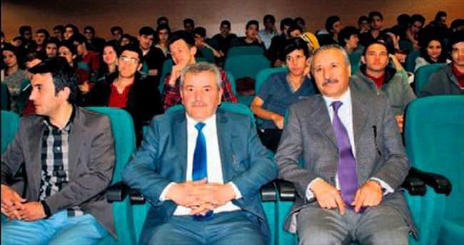 Gençler 'Safahat'ta birleşti