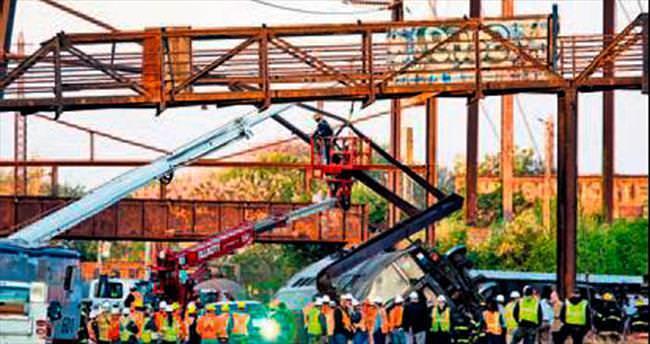 ABD'de tren raydan çıktı: 6 ölü 146 yaralı