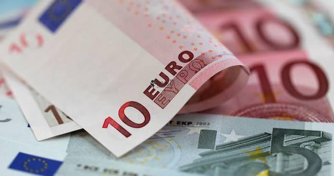 Serbest piyasada döviz güne böyle başladı - Dolar ne kadar?