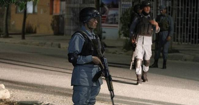 Türk misafirlerin de bulunduğu binaya silahlı baskın