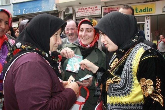 AK Parti Trabzon Milletvekili Adayı Köseoğlu, Şalpazarı'nda Yöresel Giysiyle Destek İstedi