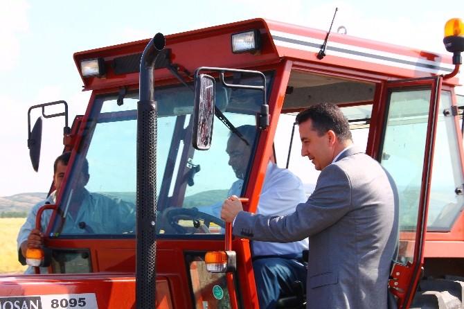 Kaymakam Soytürk, Çiftçileri Tarlada Ziyaret Etti