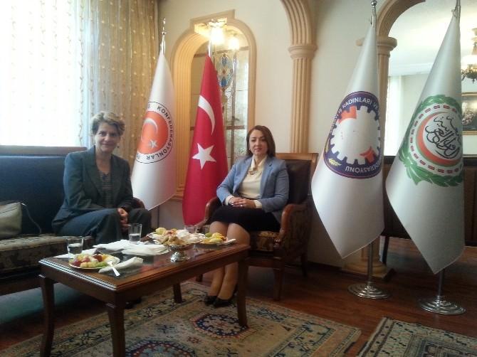 Türkiye İş Dünyasının Başkanı Nezaket Emine Atasoy İsrail Ankara Büyükelçisi Amira Oron'u Kabul Etti
