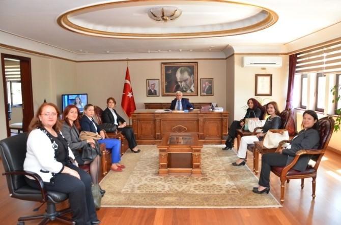 Hemşireler Vali Orhan Alimoğlu'nu Ziyaret Etti